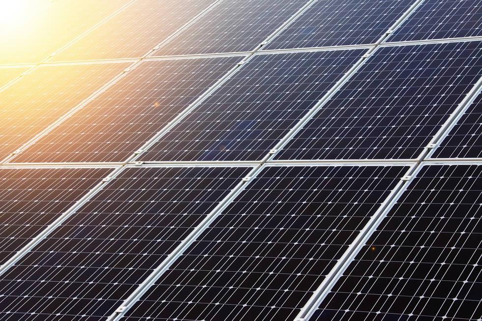 Stát nestíhá vyřizování dotací na střešní fotovoltaiku
