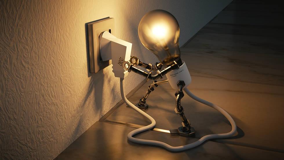 Cena elektřiny vzrostla osminásobně. Kdo za to může?