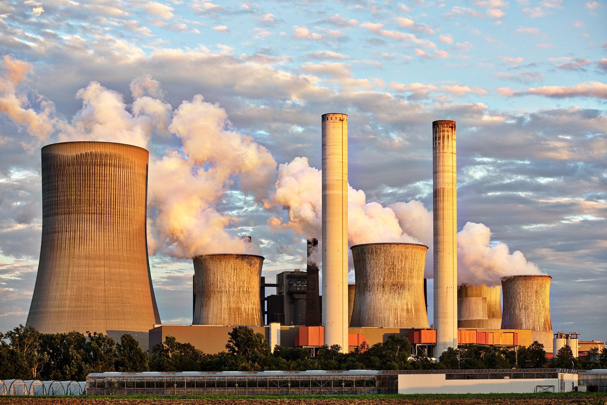 Česko jde nesmyslně proti proudu. Místo na obnovitelné zdroje sází na jádro