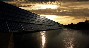 Fotovoltaika do roku 2040 překoná uhelné elektrárny