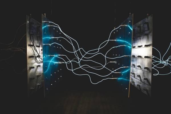 Vědci testují získávání elektřiny ze stínu