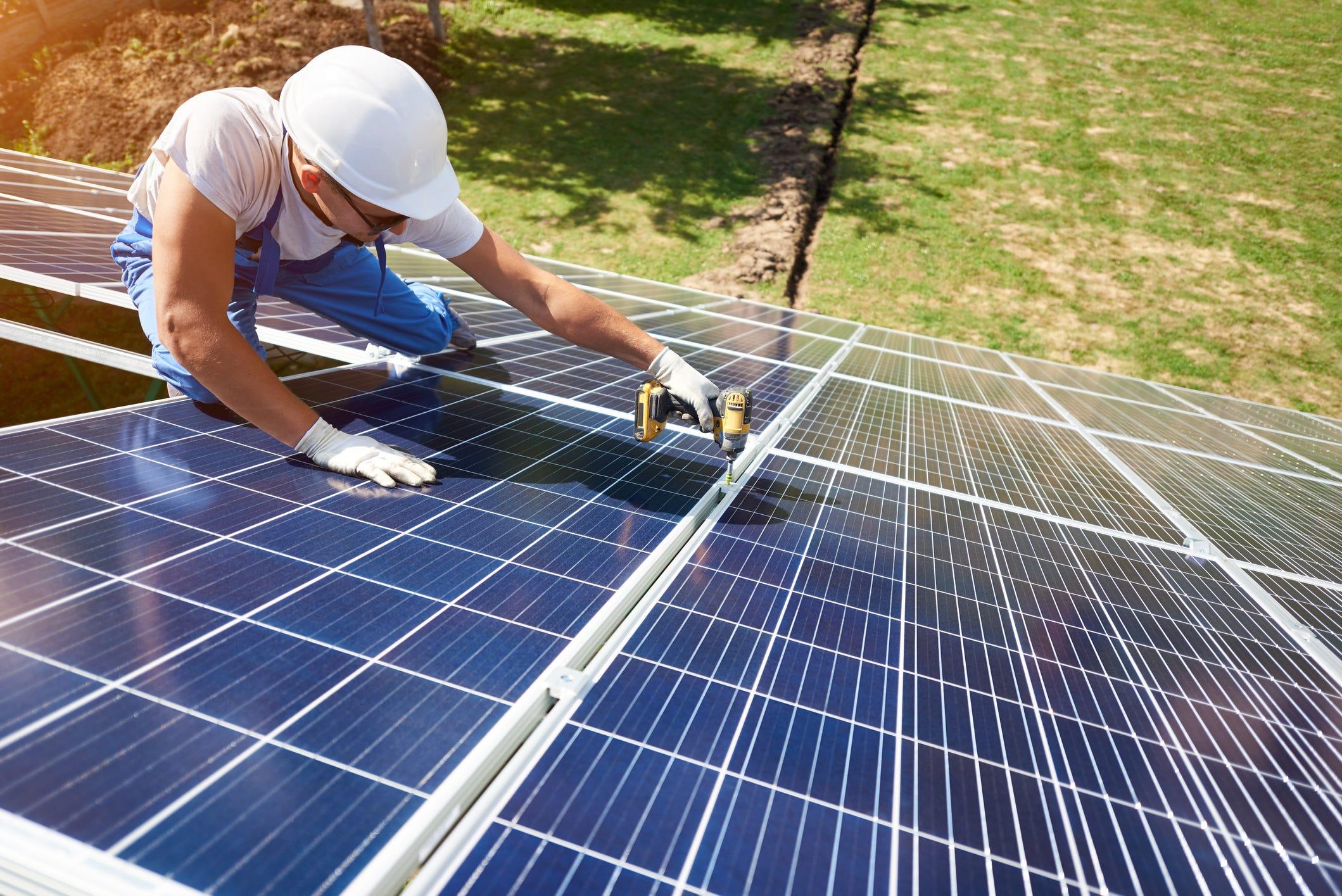Češi letos připojili tolik nových solárů jako za celý loňský rok