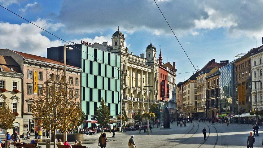 Brno chce na střechách postavit solární elektrárnu za miliardu