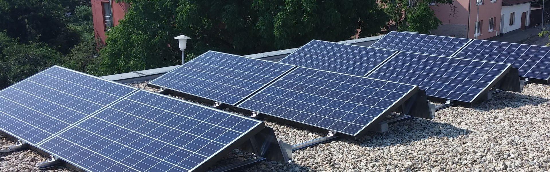 Komentář: Tažení proti fotovoltaikám nekončí